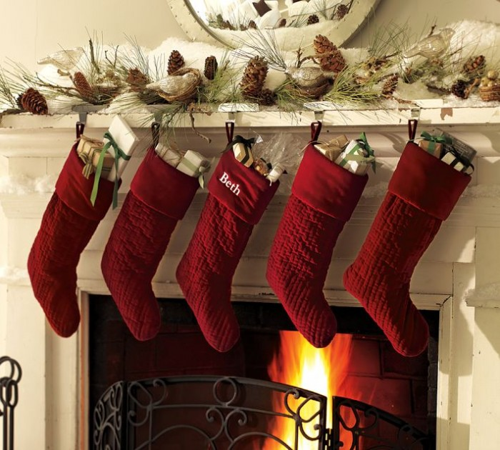 christmas decoration, christmas living room, christmas trends for interior london, christmas living room decor, outdoor christmas decorations, achica shop, mydeco shop, christmas online shops, fireplace decoration Fireplace Mantel Decorations for Christmas Fireplace Mantel Decorations for Christmas Christmas Decoration Decor Style 6