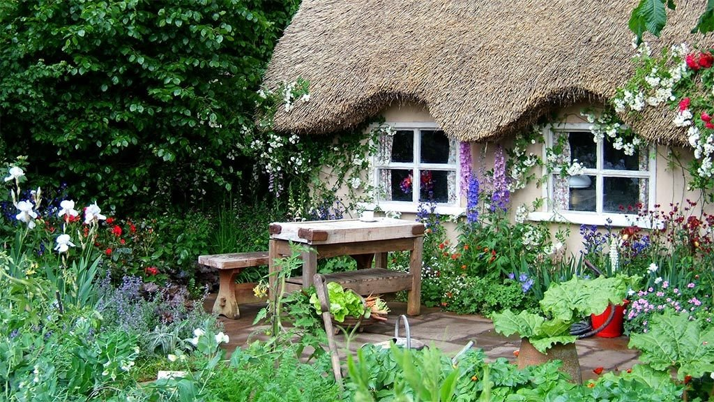 best traditional decor tips for a british cottage Best traditional decor tips for a British cottage english country pub garden 737948