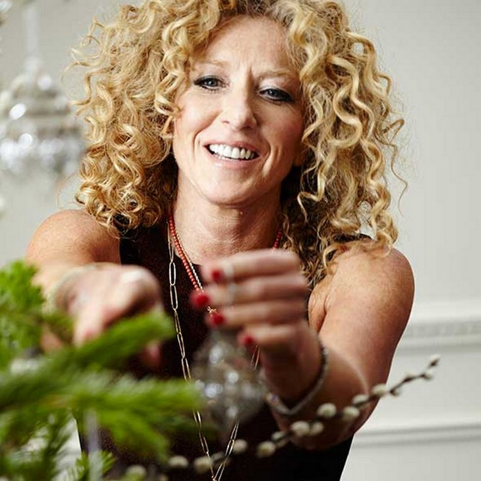 Decor and Style Kelly Hoppen Decorating Tips4 Christmas Decorating Tips By Kelly Hoppen Christmas Decorating Tips By Kelly Hoppen Decor and Style Kelly Hoppen Decorating Tips41