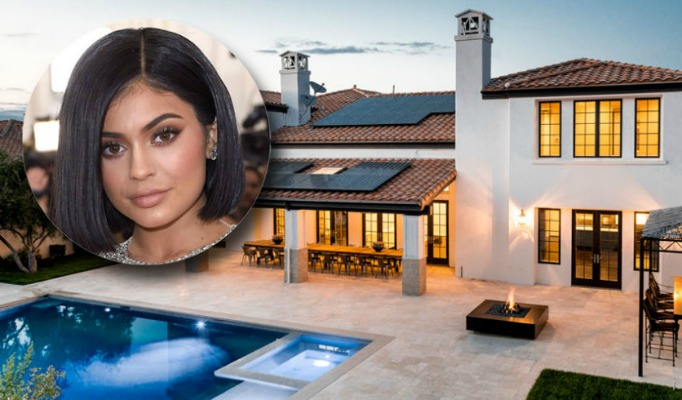 Kylie Jenner's Luxurious Home kylie jenner's luxurious home Kylie Jenner's Luxurious Home cover image 1