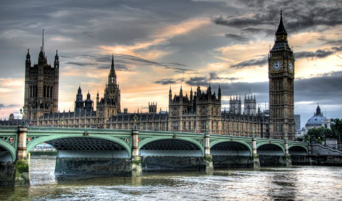 London Bridges London Bridges 7 Most Amazing London Bridges cover image 1